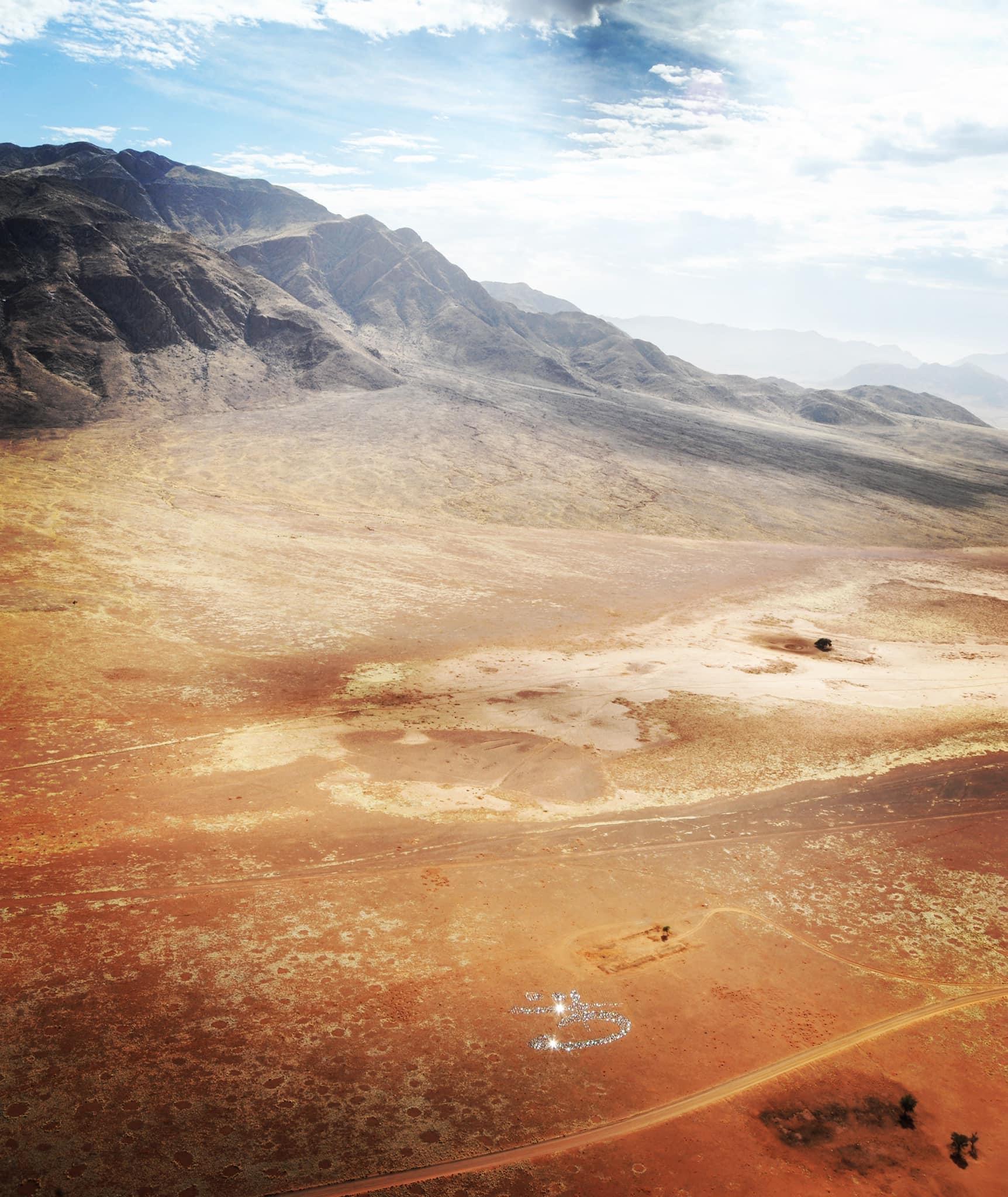 Namibia-Signature-of-light-car-mirrors-light